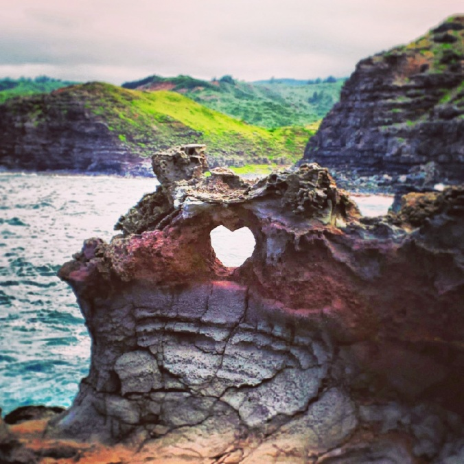 maui-heart-rock
